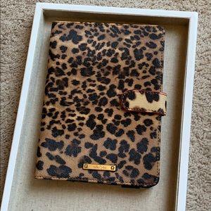 Stella & Dot Chelsea Mini iPad case-Leopard